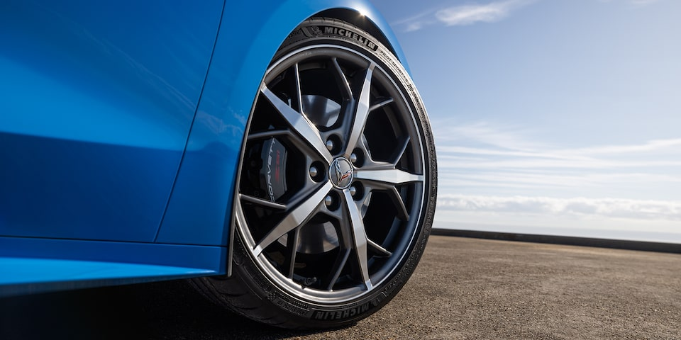 2020 Chevrolet Corvette Sports Car: wheels